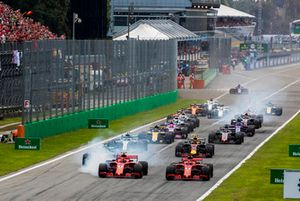 Kimi Raikkonen, Ferrari SF71H, Sebastian Vettel, Ferrari SF71H, Lewis Hamilton, Mercedes AMG F1 W09, Valtteri Bottas, Mercedes AMG F1 W09, Max Verstappen, Red Bull Racing RB14 Tag Heuer.