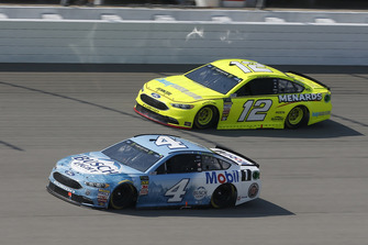 Kevin Harvick, Stewart-Haas Racing, Ford Fusion Busch Light / Mobil 1 Ryan Blaney, Team Penske, Ford Fusion Menards/Knauf Insulation
