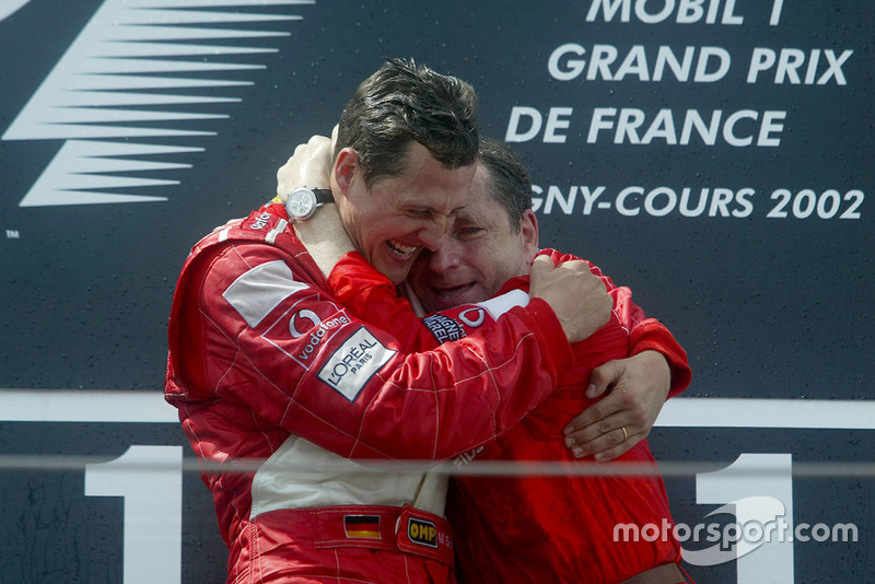 """""""Siempre creí que nunca debes rendirte y siempre debes seguir luchando incluso cuando solamente hay una pequeña oportunidad"""". Michael Schumacher"""