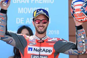 Подиум: обладатель второго места Андреа Довициозо, Ducati Team