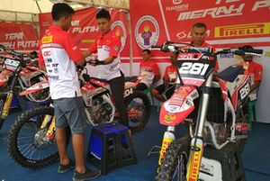 Paddock Team Merah Putih