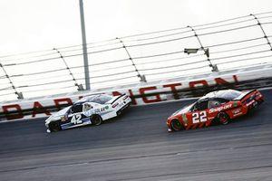 Ross Chastain, Chip Ganassi Racing, Chevrolet Camaro DC Solar and Brad Keselowski, Team Penske, Ford Mustang Snap-On