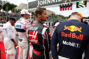 Max Verstappen, Red Bull Racing, Romain Grosjean, Haas F1 Team, Esteban Ocon, Racing Point Force India, and Lewis Hamilton, Mercedes AMG F1, on the grid