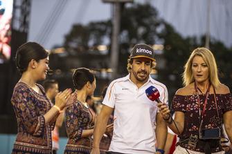 Fernando Alonso, McLaren talks with Rachel Brooks, Sky TV on the drivers parade