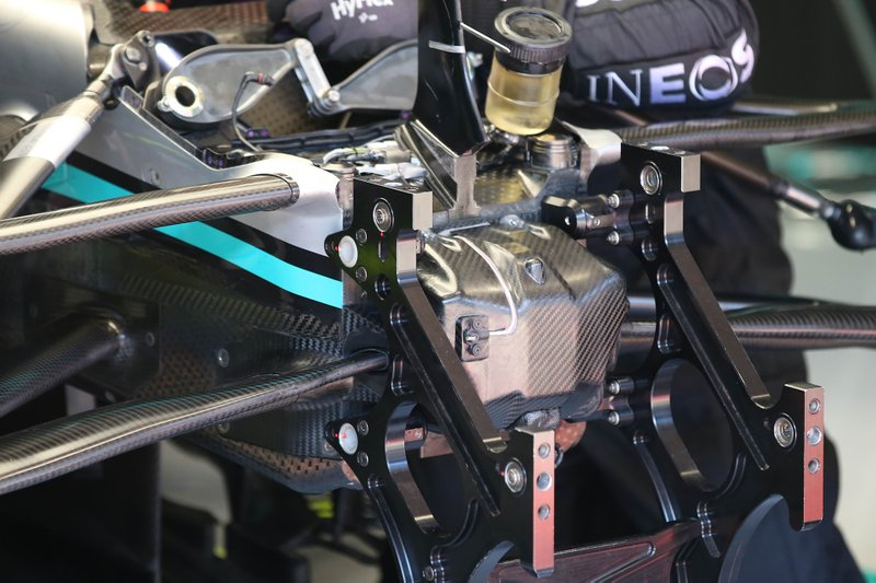 Mercedes F1 AMG front suspension