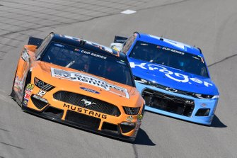 Corey LaJoie, Go FAS Racing, Ford Mustang, Ricky Stenhouse Jr., JTG Daugherty Racing, Chevrolet Camaro Kroger