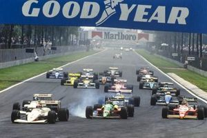 Eddie Cheever, Arrows A10B Megatron, leads Thierry Boutsen, Benetton B188 Ford, Bernd Schneider, Zakspeed 881, Derek Warwick, Arrows A10B Megatron, Nigel Mansell, Williams FW12 Judd, Andrea de Cesaris, Rial ARC-01 Ford, Ivan Capelli, March 881 Judd, Piercarlo Ghinzani, Zakspeed 881, and Riccardo Patrese, Williams FW12 Judd