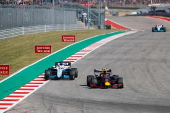 Alex Albon, Red Bull Racing RB15, leads George Russell, Williams Racing FW42
