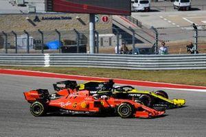 Sebastian Vettel, Ferrari SF90, battles with Daniel Ricciardo, Renault F1 Team R.S.19