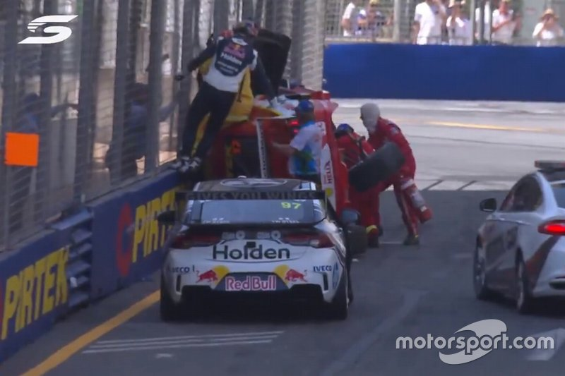 Screenshot of Shane van Gisbergen, Triple Eight Race Engineering helping extract Scott McLaughlin, DJR Penske out of latter's Ford Mustang