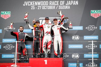 Podium: Race winner Johan Kristoffersson, SLR Volkswagen Volkswagen Golf GTI TCR, second place Esteban Guerrieri, ALL-INKL.COM Münnich Motorsport Honda Civic Type R TCR, third place Kevin Ceccon, Team Mulsanne Alfa Romeo Giulietta TCR