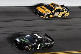 Kurt Busch, Chip Ganassi Racing, Chevrolet Camaro Monster Energy, Erik Jones, Joe Gibbs Racing, Toyota Camry DeWalt
