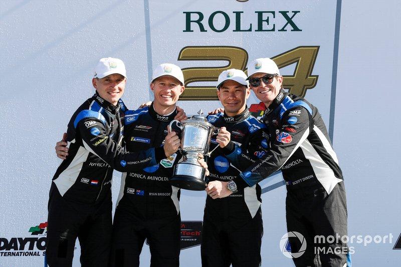 Il vincitore overall #10 Wayne Taylor Racing Cadillac DPi-V.R. Cadillac DPi, DPi: Renger Van Der Zande, Ryan Briscoe, Scott Dixon, Kamui Kobayashi