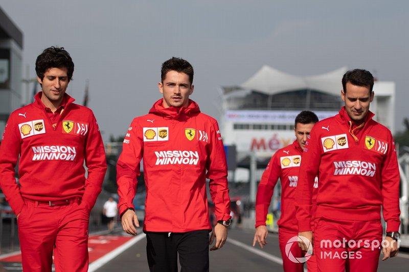 Charles Leclerc, Ferrari, ispeziona il tracciato