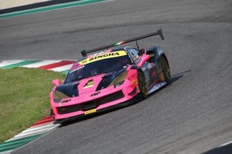 #173 Ferrari 488 Challenge, Ineco - MP Racing: Corinna Gostner