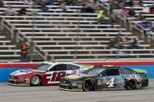 Ryan Blaney, Team Penske, Ford Mustang Wabash National, Kevin Harvick, Stewart-Haas Racing, Ford Mustang Busch Beer / Ducks Unlimited
