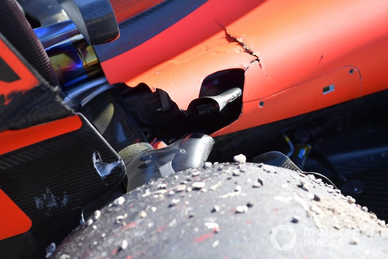 The damaged suspension of Sebastian Vettel, Ferrari SF90