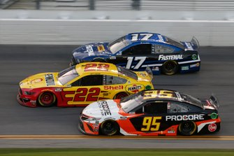 Christopher Bell, Leavine Family Racing, Toyota Camry Procore, Joey Logano, Team Penske, Ford Mustang Shell Pennzoil, Chris Buescher, Roush Fenway Racing, Ford Mustang Fastenal