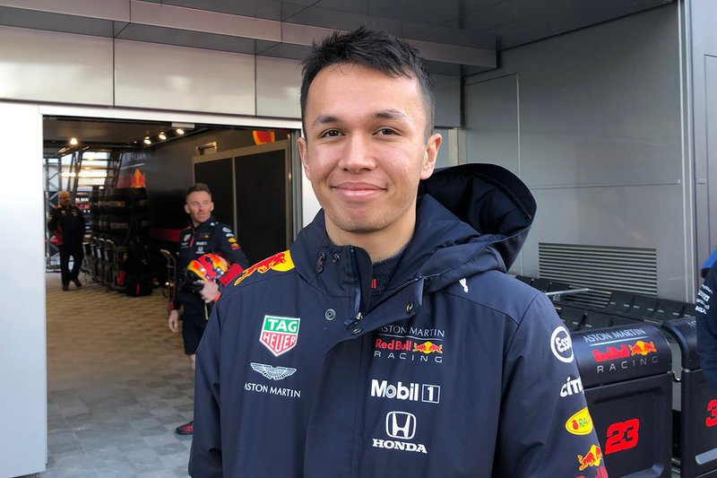#16: Alexander Albon (Red Bull) - 570.000 Follower
