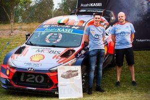 Craig Breen, Hyundai Motorsport Team Director Andrea Adamo, Hyundai i20 Coupe WRC
