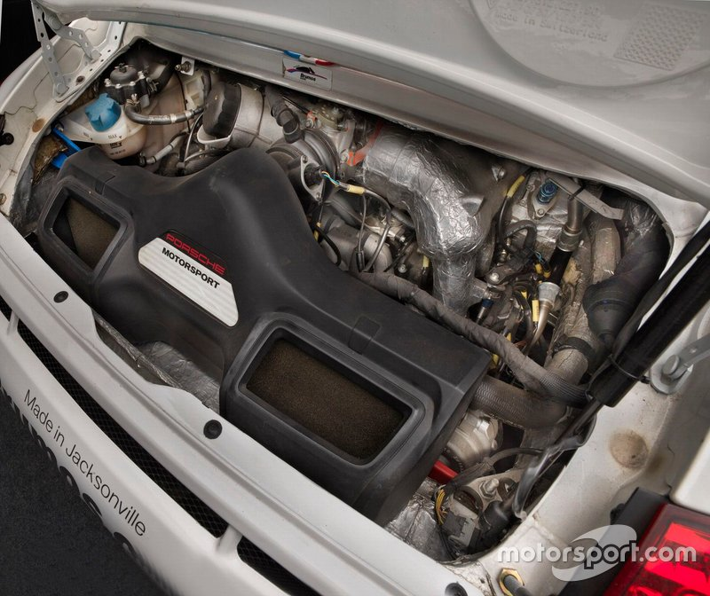 Porsche 997 GT3 Cup Car Engine