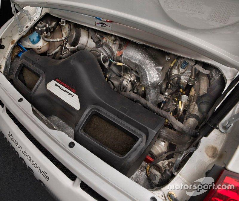 Porsche 997 GT3 Cup Car Engine