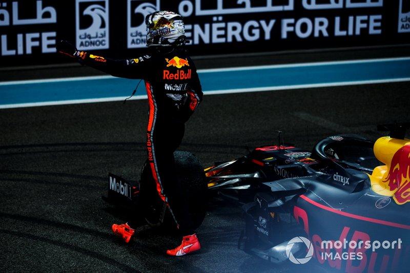 Max Verstappen, Red Bull Racing, secondo classificato, festeggia
