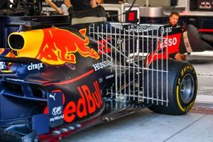 Car of Alexander Albon, Red Bull RB15 with sensors