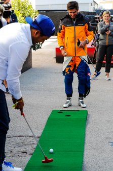 Carlos Sainz Jr., McLaren, plays mini golf