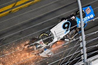 Crash van Ryan Newman, Roush Fenway Racing, Ford Mustang Koch Industries