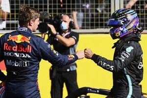 Max Verstappen, Red Bull Racing, 1st position, and Lewis Hamilton, Mercedes, 2nd position, congratulate each after Sprint Qualifying