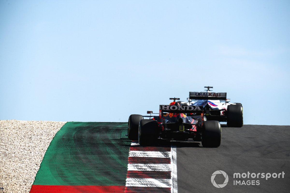 Nikita Mazepin, Haas VF-21, Max Verstappen, Red Bull Racing RB16B