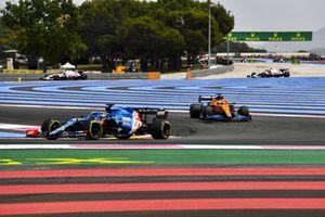 Fernando Alonso, Alpine A521, Daniel Ricciardo, McLaren MCL35M
