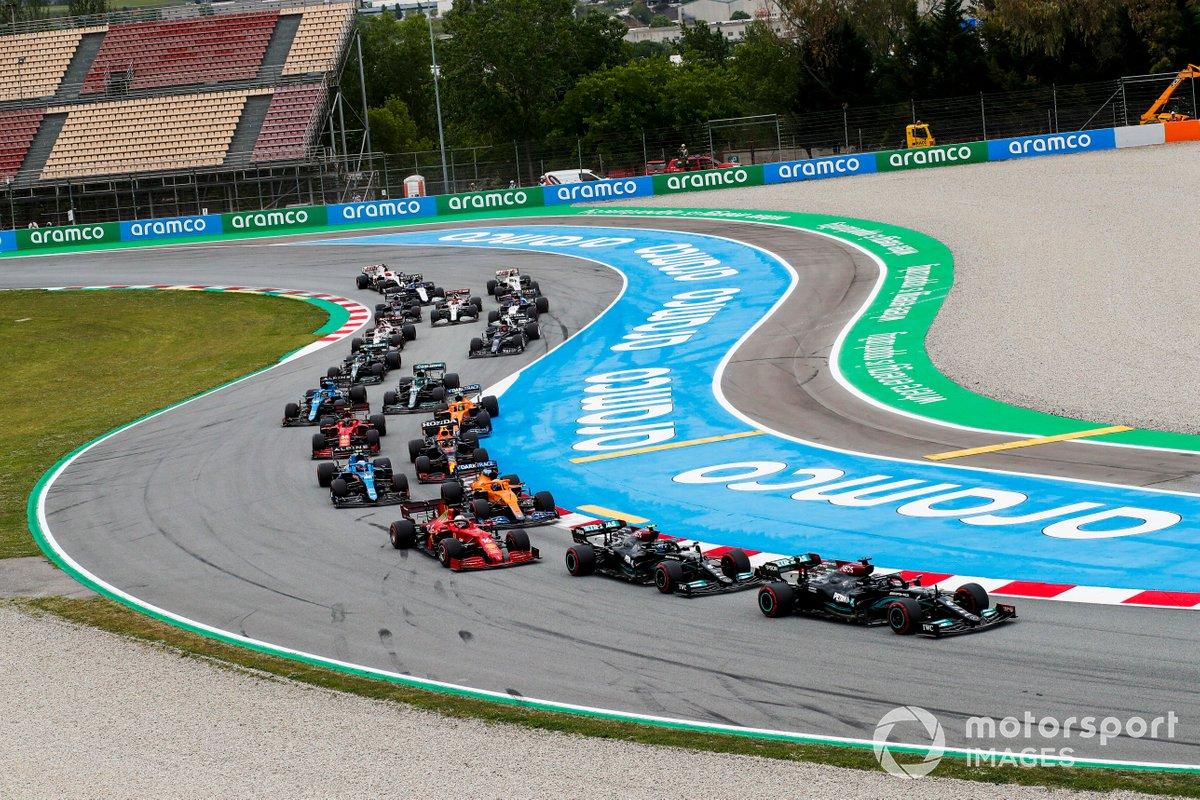 Lewis Hamilton, Mercedes W12, Valtteri Bottas, Mercedes W12, Charles Leclerc, Ferrari SF21, Daniel Ricciardo, McLaren MCL35M, Esteban Ocon, Alpine A521, alla partenza
