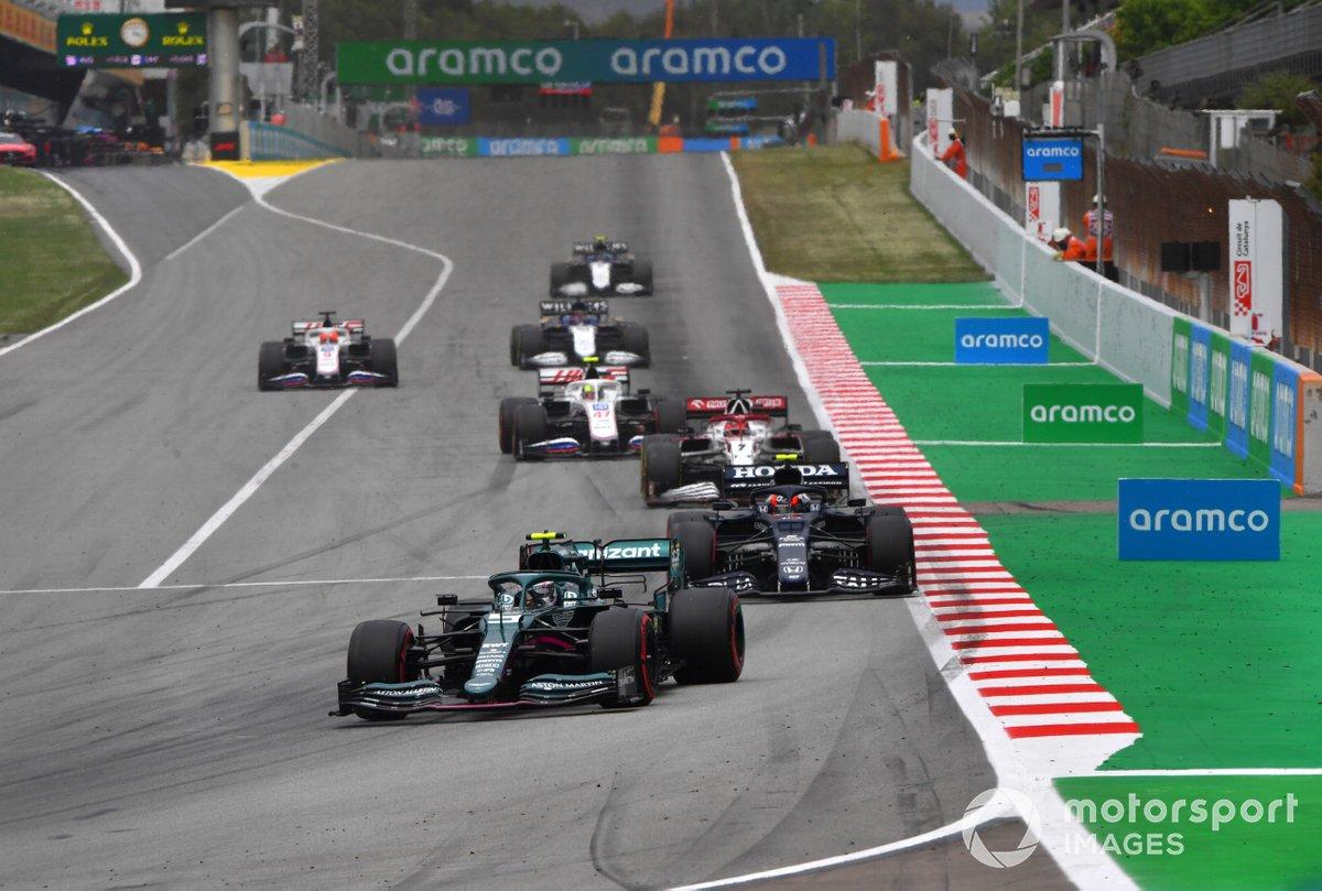 Sebastian Vettel, Aston Martin AMR21, Pierre Gasly, AlphaTauri AT02, Kimi Raikkonen, Alfa Romeo Racing C41, e Mick Schumacher, Haas VF-21