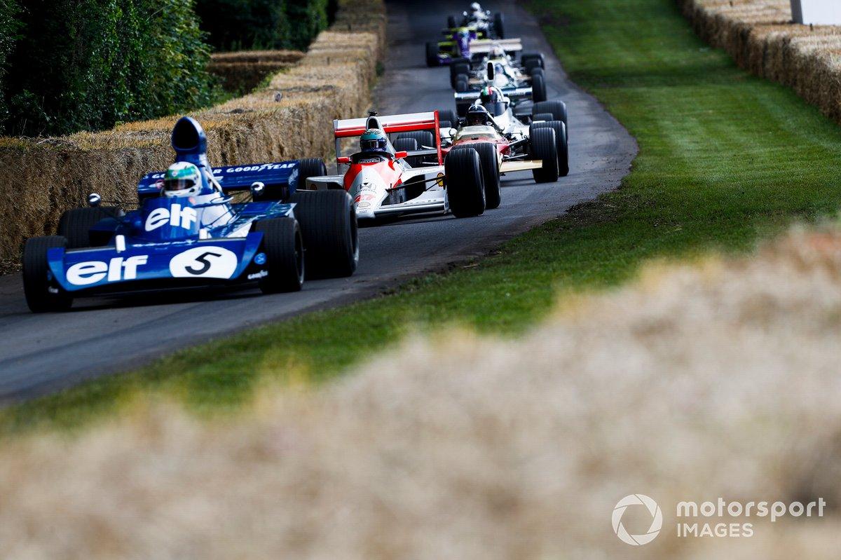 Tyrrell-Cosworth 003 y Daniel Ricciardo, McLaren-Honda MP4/5B