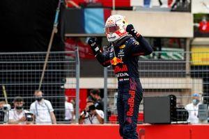 Max Verstappen, Red Bull Racing, 1e plaats, in Parc Ferme