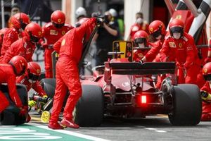 Charles Leclerc, Ferrari SF21, Pit stop
