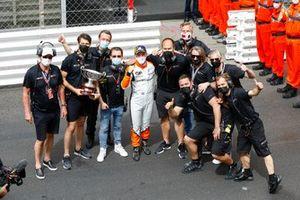 Race winner Larry ten Voorde, GP Elite with the team