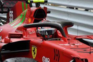 Carlos Sainz Jr., Ferrari SF21, 2nd position, in Parc Ferme