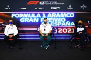 Guenther Steiner, Team Principal, Haas F1, Otmar Szafnauer, Team Principal and CEO, Aston Martin F1, and Franz Tost, Team Principal, AlphaTauri, in the team principals Press Conference