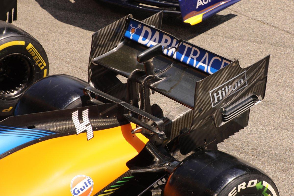 Заднее антикрыло McLaren MCL35M
