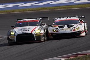 #10 GAINER TANAX with IMPUL GT-R, #88 JLOC ランボルギーニ GT3