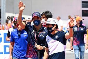 Sergio Perez, Red Bull Racing, en Yuki Tsunoda, AlphaTauri