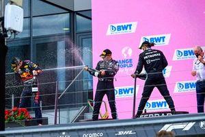Max Verstappen, Red Bull Racing, Lewis Hamilton, Mercedes, Valtteri Bottas, Mercedes, and Helmut Marko, Consultant, Red Bull Racing