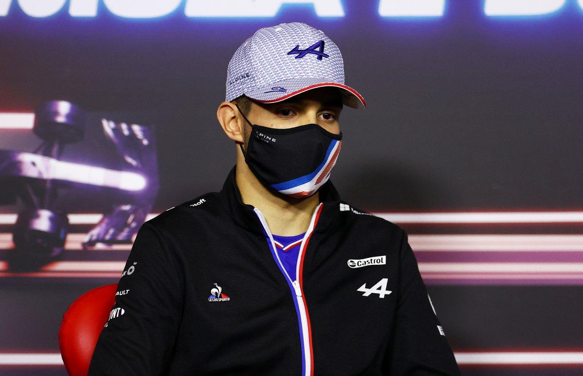 Esteban Ocon, Alpine F1 durante la conferencia de prensa