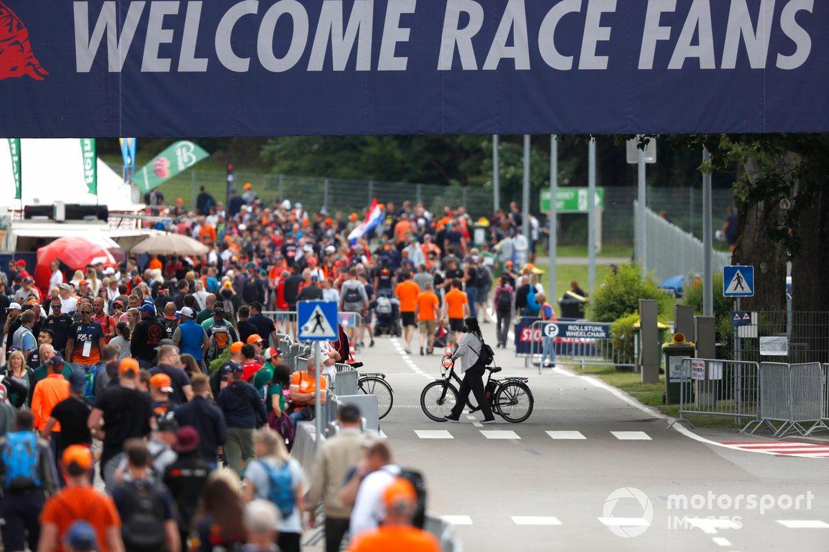Los fans llegan al GP de Austria de F1
