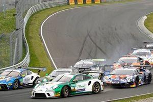 #14 MRS GT-RacingPorsche 911 GT3 R: Maximilian Hackländer, Mick Wishofer, #10 Schubert Motorsport BMW M6 GT3: Nick Yelloly, Jesse Krohn