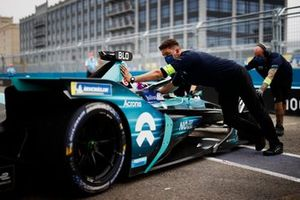 Tom Blomqvist, NIO 333, NIO 333 001, is returned to the garage