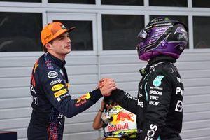 Lewis Hamilton, Mercedes, Max Verstappen, Red Bull Racing RB16B